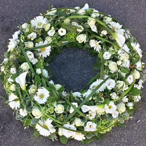 blattwerk-floristik-blumenladen-trauerfloristik-beerdigung-sarg-urne-blumen-grab-01